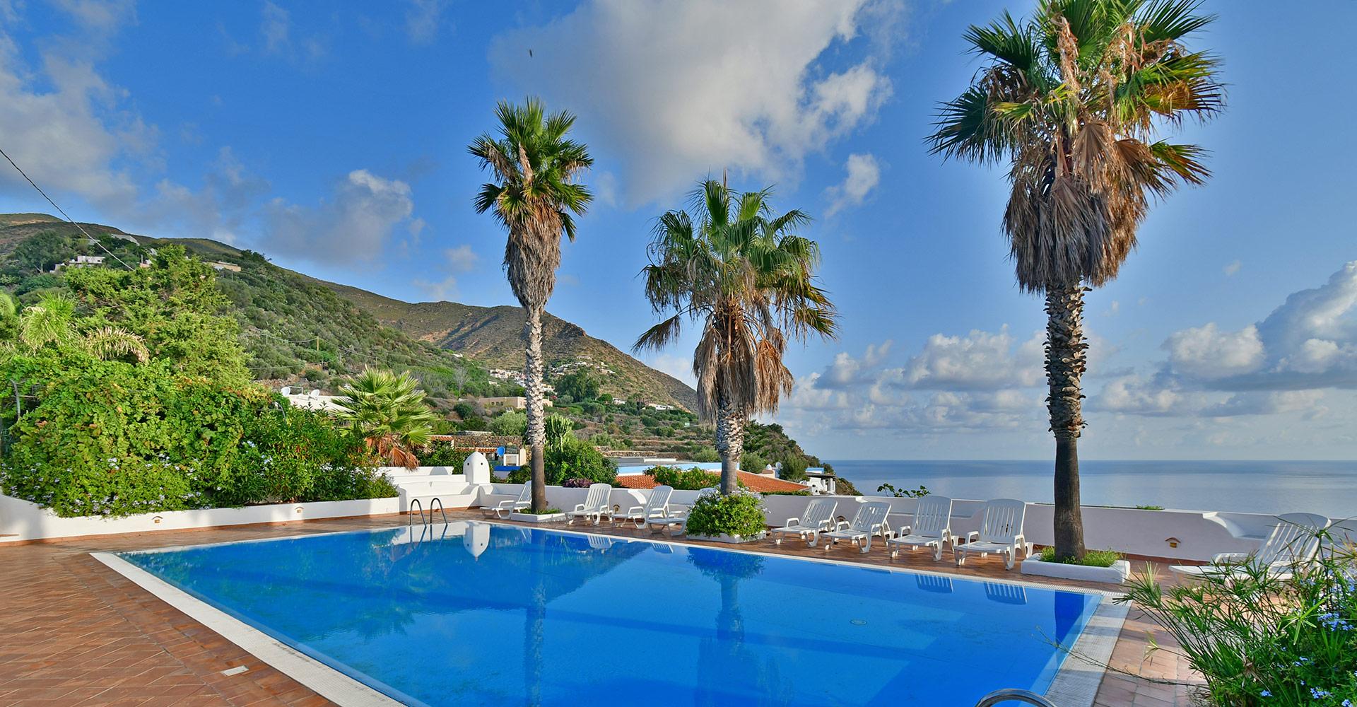 Hotel piscina Filicudi