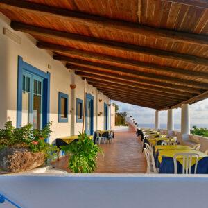 Camere 1, 2 e 3 affacciate sul terrazzo vista mare.